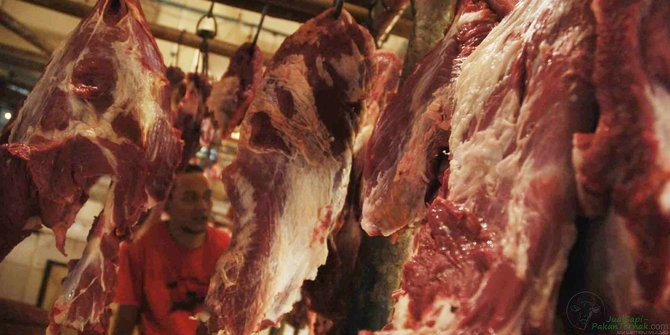 Bulog gelar operasi pasar daging sapi dan kerbau seharga Rp 80.000 per Kg